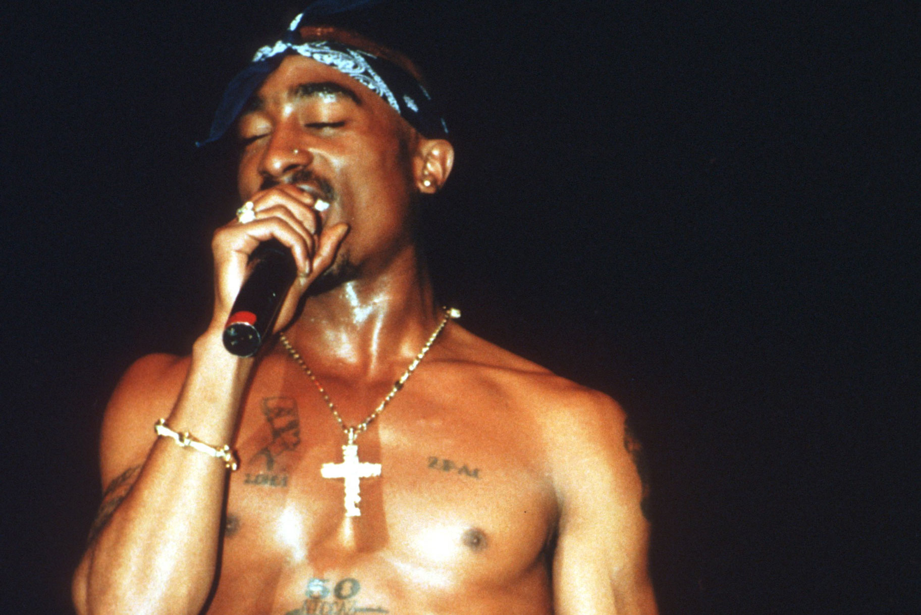 a biography of 2pac a very famous rapper of all time All tupac shakur essays considered the most influential rapper of all time in many articles stage names 2pac and makaveli, was an american famous rapper.