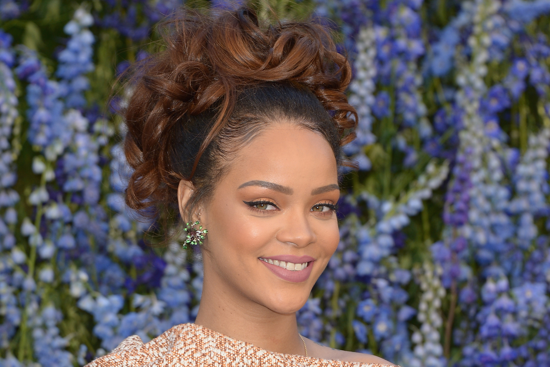 Rihanna Calls Ex Naacp Leader Rachel Dolezal A Hero Very Real