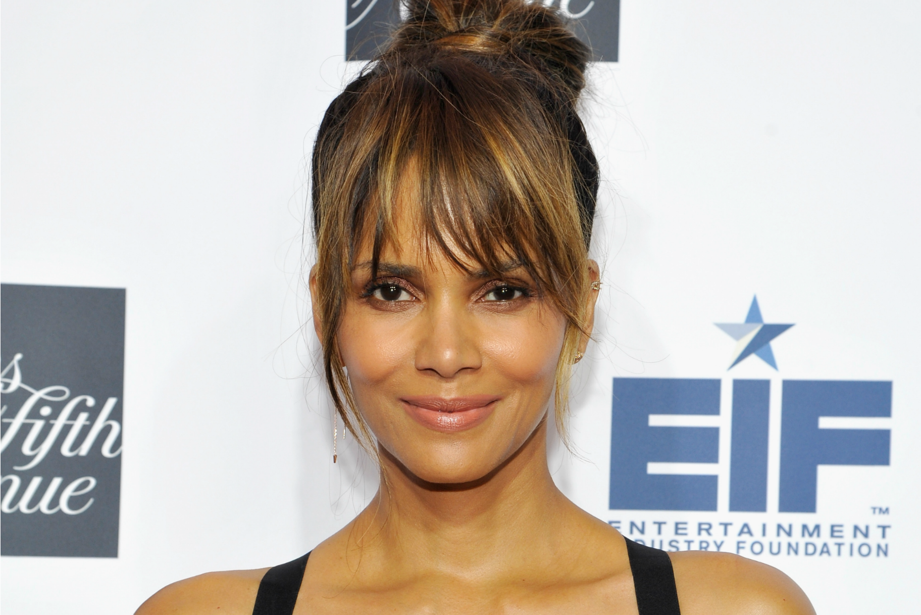 halle berry went topless on instagram and twitter had no chill very real