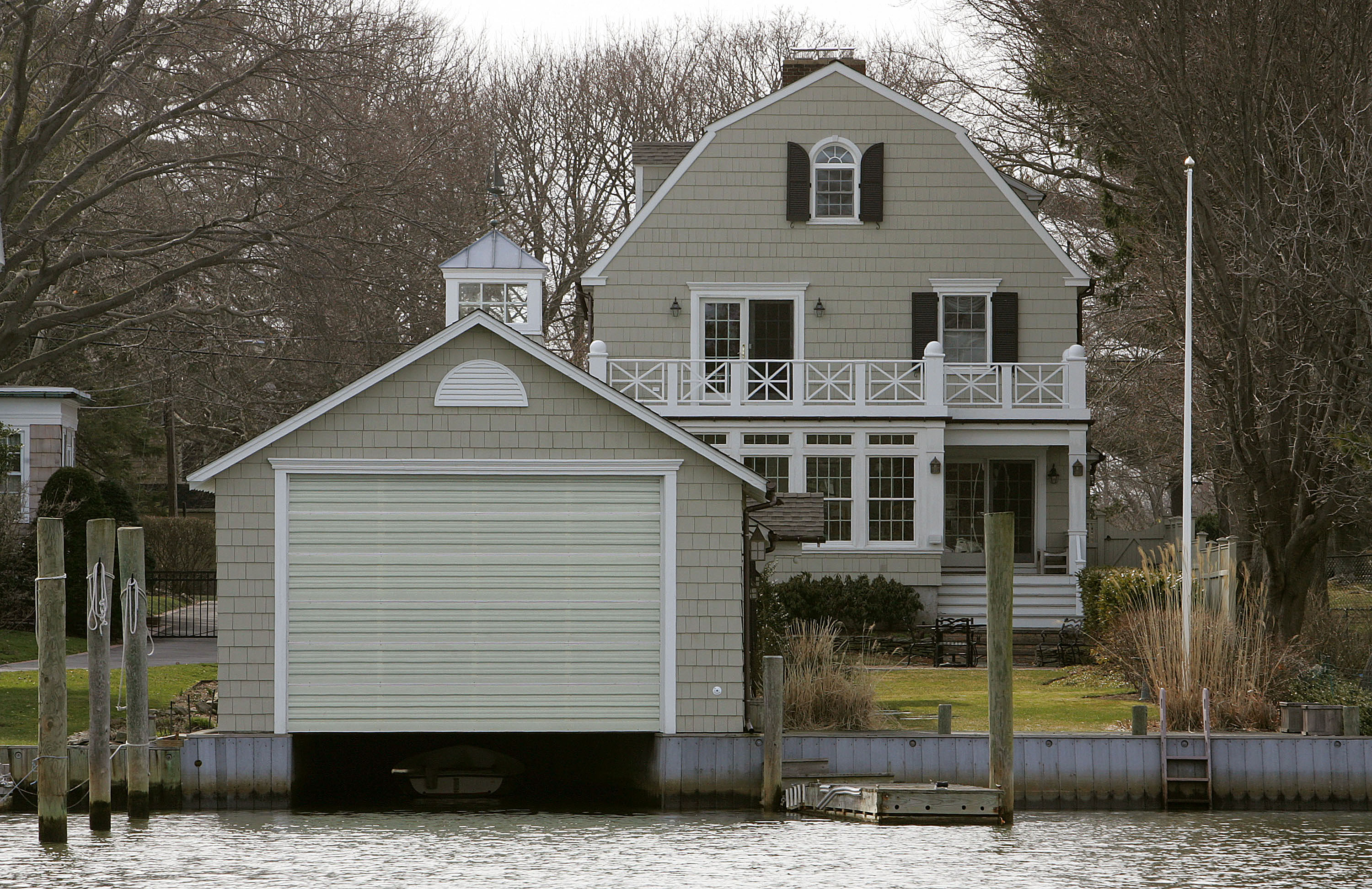 The True Crime Story Behind The Lutz Family And The Amityville