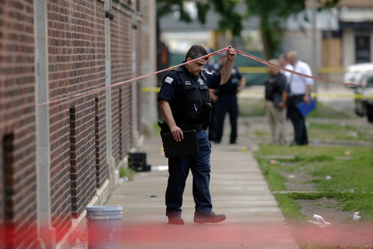 11 killed and 59 people wounded after mass shootings in Chicago
