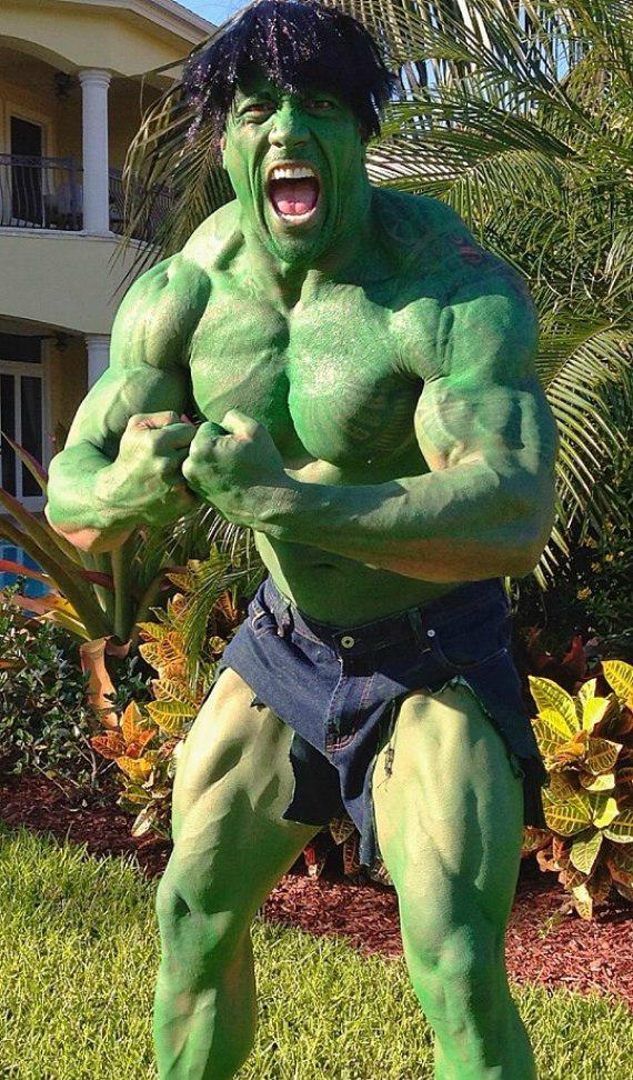 angry hulk throwing rocks - photo #1