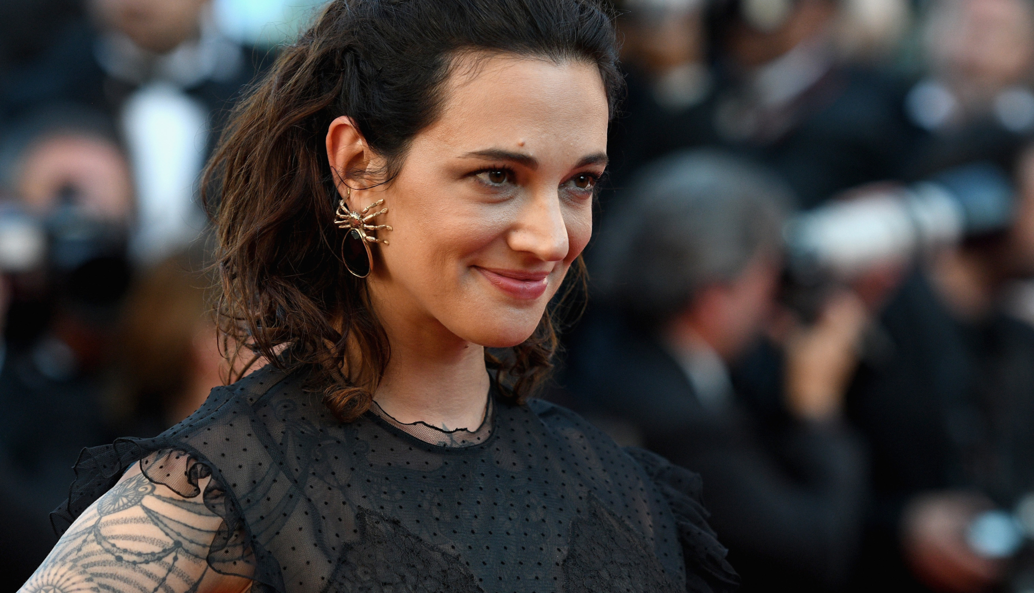 Rain Dove Confirms Turning Over Incriminating Asia Argento Texts To Police, Explains Why