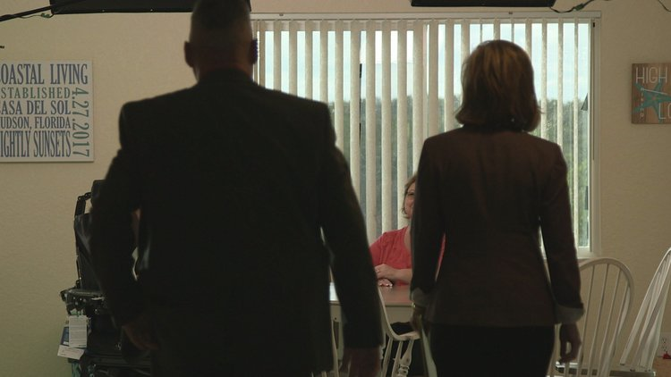 Cold Justice: Carrie Leonard's Family Meets with Kelly Siegler (Season 5, Episode 15)