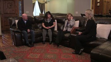 Cold Justice: Kelly Siegler Meets with Stephanie Eldredge's Family (Season 5, Episode 17)